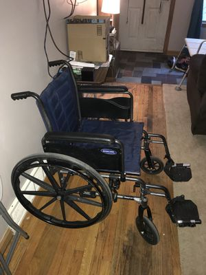 Invacare Tracer IV bariatric wheel chair for Sale in Grand Island, NY