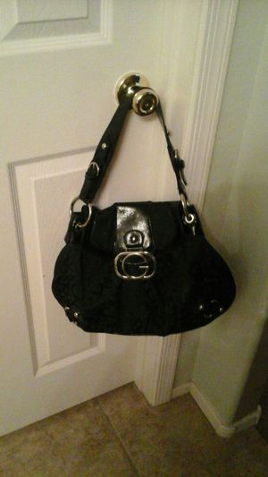 Guess purse for Sale in Queen Creek, AZ