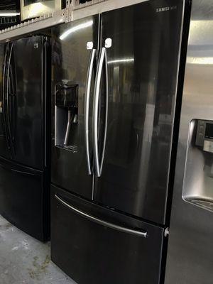 Black stainless steel French door Samsung for Sale in La Habra, CA
