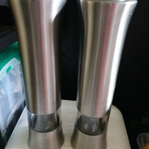 Wolfgang Puck Electronic Stainless Steel Salt and Pepper Grinders. for Sale in Columbus, OH