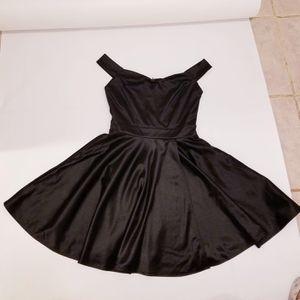 Dress Mini in Black Windsor BRAND NEW (SIZE S) for Sale in Hudson, FL