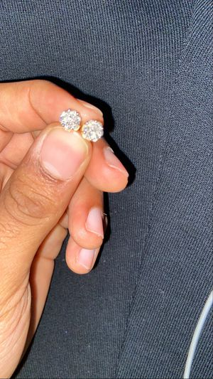 Real diamond earrings 1 CT Total 10k gold for Sale in Houston, TX