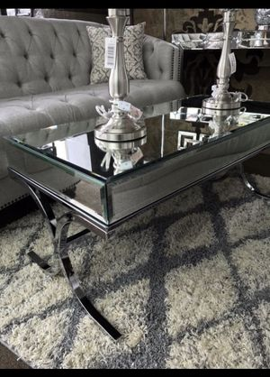 Mirrored coffee table 👌♥️ and more! for Sale in Bronx, NY