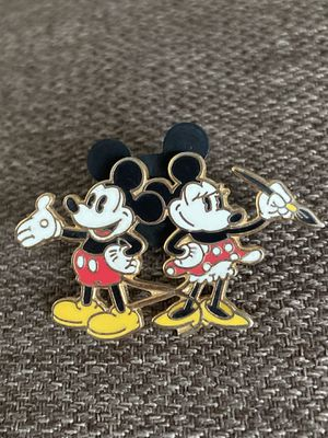 Disneyland Mickey & Minnie Pin for Sale in Jacksonville, NC