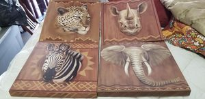 """Beautiful set of 4 12 """"x 12"""" Animal Art for Sale in Chatsworth, CA"""