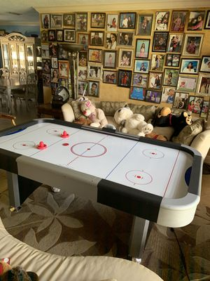 American legend air hockey table 7 foot full-size for Sale in Plantation, FL