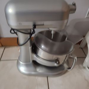 Large Kitchen Aid Mixer and Panosonic Bread Maker - best offer will be accepted for Sale in Hanover Park, IL