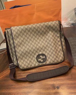 Gucci GG logo men's Messenger Bag Shoulder Bag for Sale in El Monte, CA