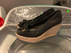 Tory Burch wedge used size 6 for Sale in Porter Ranch, CA