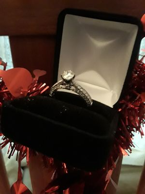 Beautiful 14k gold 86ct diamond ring for Sale in San Francisco, CA