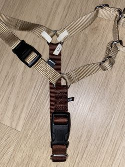Easy Walk Dog Harness (no pull harness) for Sale in Norwalk,  CA