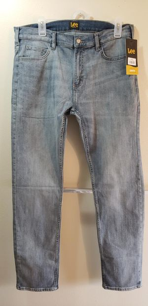 Brand New Men's Lee Slim Fit tapered jeans Size 34X32 for Sale in Fresno, CA