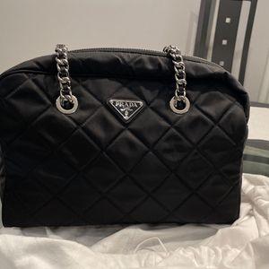 Prada Handbag for Sale in East Brunswick, NJ