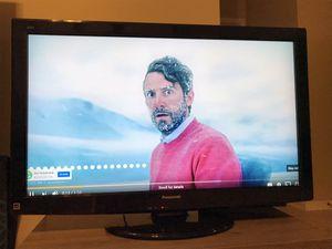 """Panasonic TV 37"""" for Sale in Aurora, IL"""