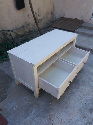 mueble de madera excelentes condiciones for Sale in East Compton, CA