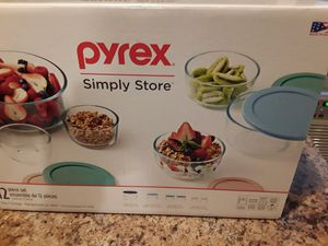 Pyrex 12 piece Bowl set for Sale in Chicago, IL