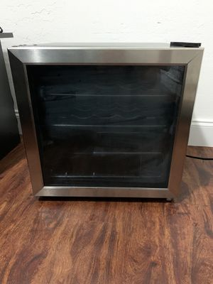 Wine cooler for Sale in Miami, FL