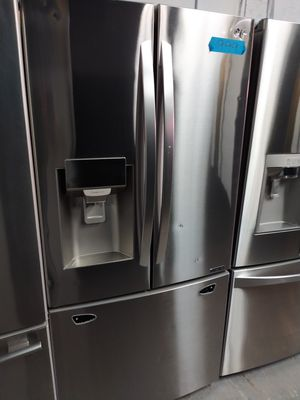 LG stainless steel french doors fridge in excellent condition w/4 months warranty for Sale in Baltimore, MD