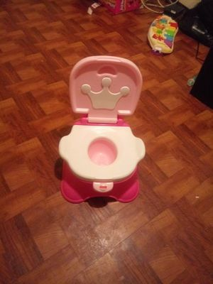 Free baby girl potty training toilet for Sale in Brooklyn, NY