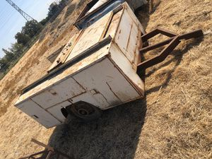 Truck bed utility box trailer needs tires no tittle for Sale in Tracy, CA