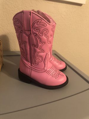 Baby girl boots Size 4 for Sale in Surprise, AZ