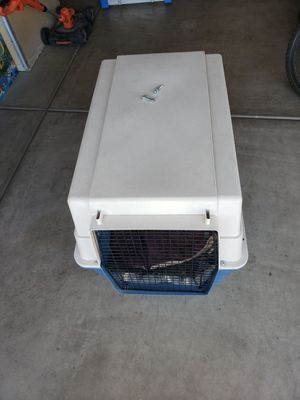 dog kennel (for parts) for Sale in Chandler, AZ