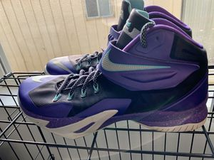 Nike/LeBron Shoes (Size 11) for Sale in Spring Valley, CA