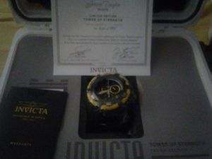 Brand new special edition, Jason Taylor tower of strength 56 mm thunderbolt with certificate of authenticity. for Sale in Hialeah, FL