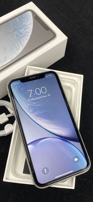  iPhone XR 64gb Factory Unlocked for Sale in Scottsdale, AZ