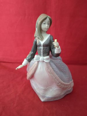 "LLADRO #5211 ""ANGELA"" GIRL WITH PARASOL (MISSING) FINE PORCELAIN FIGURINE W/ ORIG BOX for Sale in Pompano Beach, FL"