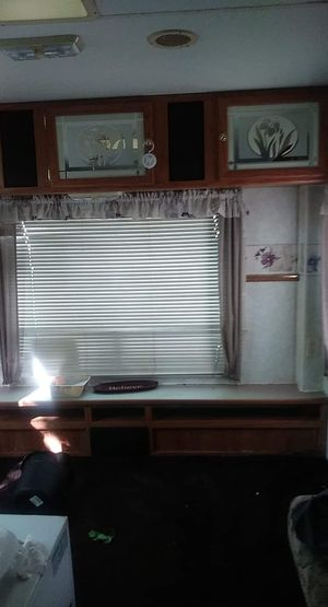 A nice used camper for sale no issues no leaks road ready for Sale in Mount Airy, NC