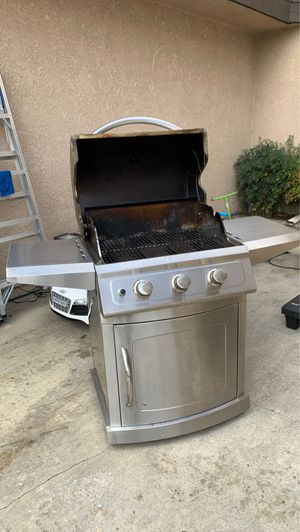 Propane gas grill from COSCO AND 2 propane tanks included for Sale in Anaheim, CA