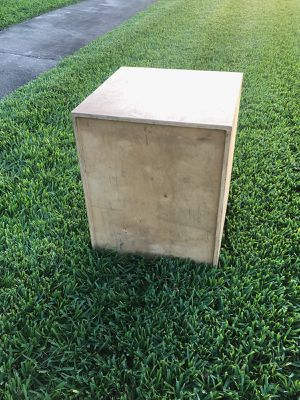 WOODEN PLYO BOX. (30 INCHES HIGH) / 24 INCHES WIDE for Sale in Deerfield Beach, FL