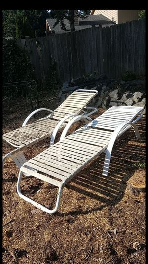 FREE Outdoor Lounge Chairs for Sale in Kent, WA