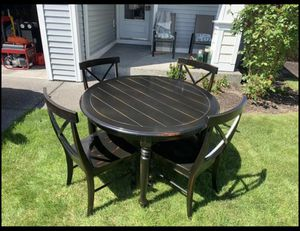 Round Dinning Table for Sale in Everett, WA