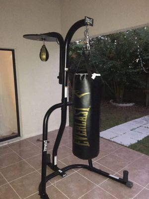 Everlast heavy bag and speed bag stand for Sale in Casselberry, FL