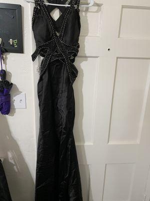Elegant prom dress size 4 for Sale in Bakersfield, CA