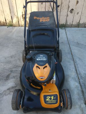 Poulan self propelled lawn mower works great for Sale in Colton, CA