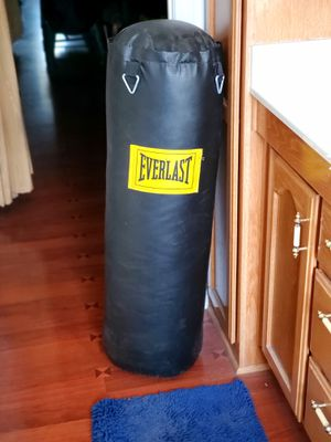 Everlast 70 lb Punching Bag for Sale in Anaheim, CA