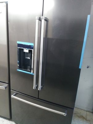 Kitchen Aid french door in dark stainless for Sale in Corona, CA