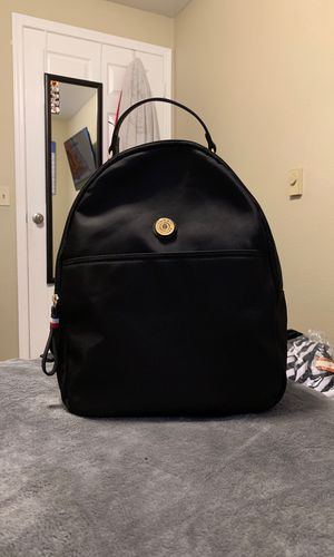 Black Tommy Hilfiger Backpack for Sale in Everett, WA