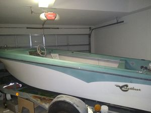 1968 Crestliner Boat w/ no engine for Sale in Gibsonton, FL