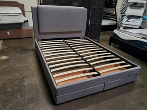 Queen Size Bed Frame with 2 Drawers for Sale in Garden Grove, CA