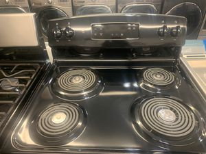 GE STOVE. BRAND NEW / OPEN BOX! 40% OFF SALE TODAY!! for Sale in Miami, FL