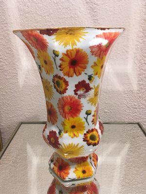 Flower Vase - daisy for Sale in Newark, CA