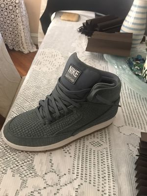 Nike air python 8.5 for Sale in Bloomfield, NJ