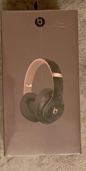 Green navy Studio 3 wireless new brand from Apple include the recipe the show the real price 372. for Sale in Orlando, FL