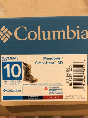 Columbia Meadows Omni-Heat snow boots Woman's size 10 for Sale in Las Vegas, NV