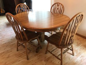 Dining table with 4 chairs for Sale in Belmont, CA