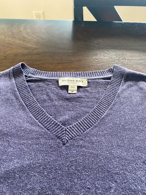 Burberry designer sweater jumper size medium ( M ) for Sale in SeaTac, WA